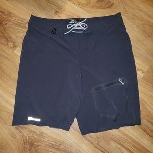 Cabela's Guidewear Shorts size 38